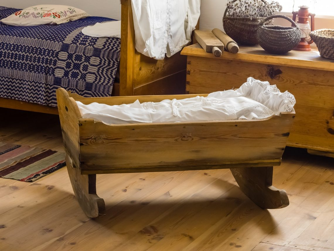 sen niemowlaka, łóżeczko, błoga mama z bloga