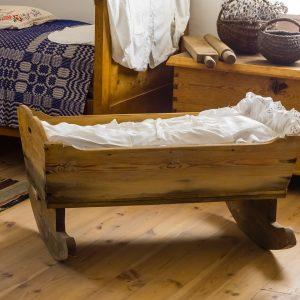 sen noworodka, sen niemowlaka, łóżeczko, błoga mama z bloga
